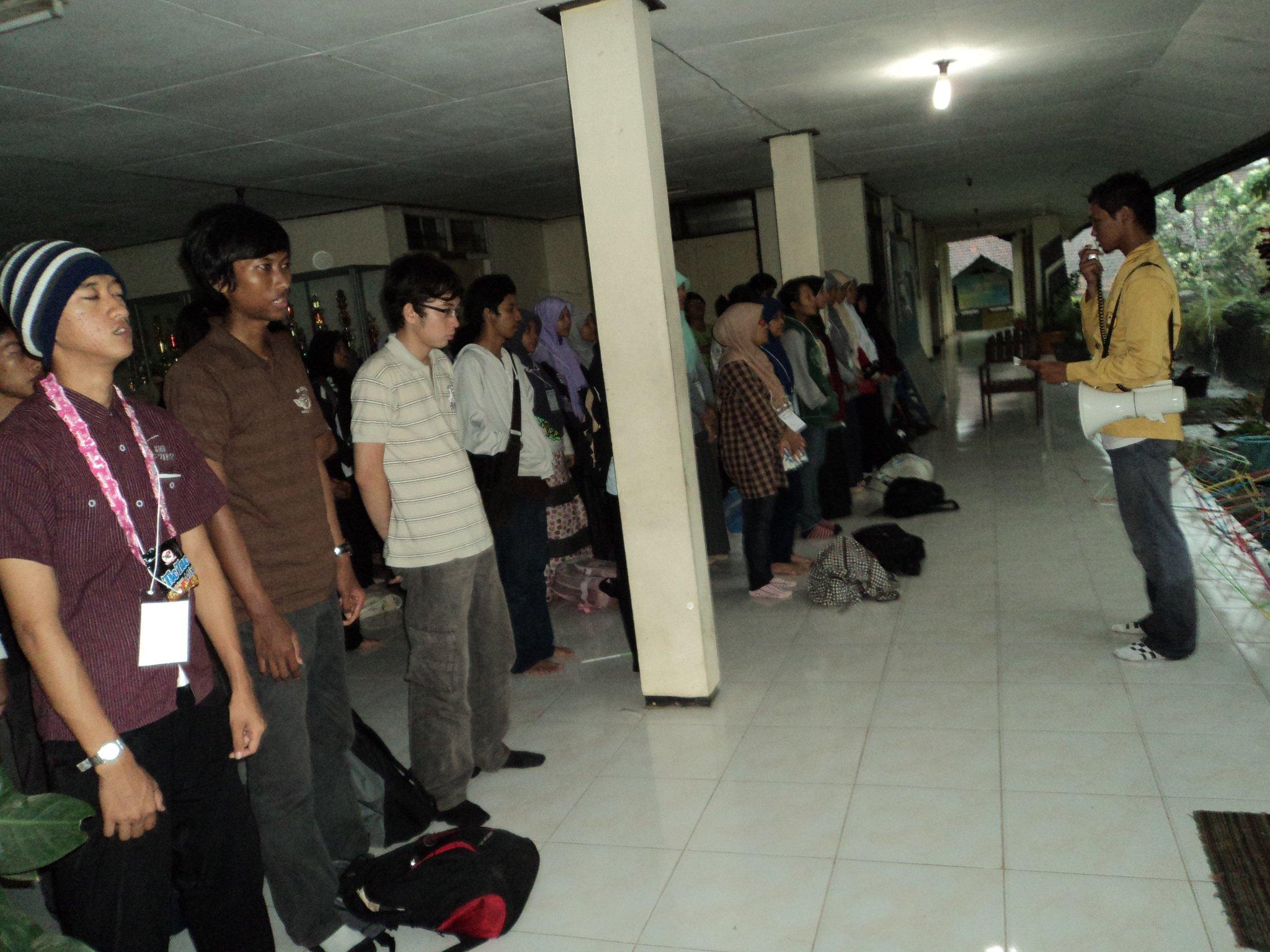 essay mahasiswa bangsa The nextdev karya anak bangsa untuk solusi indonesia 17 april tournament mobile legend bupati lsm lira cup 17 april lomba menulis cerita nge-trip nasional 2018.